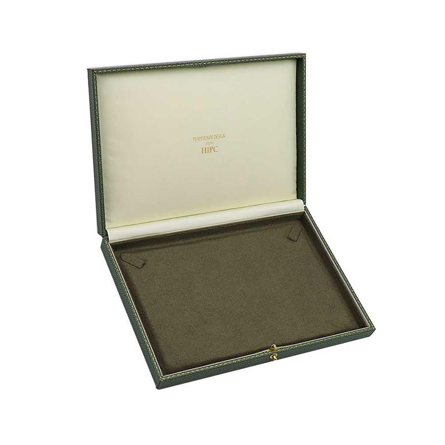 Necklace Case C20