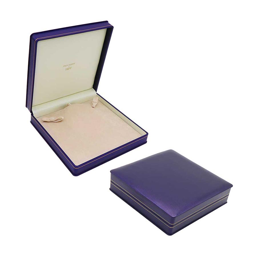R13 Strand of Pearl Necklace Case