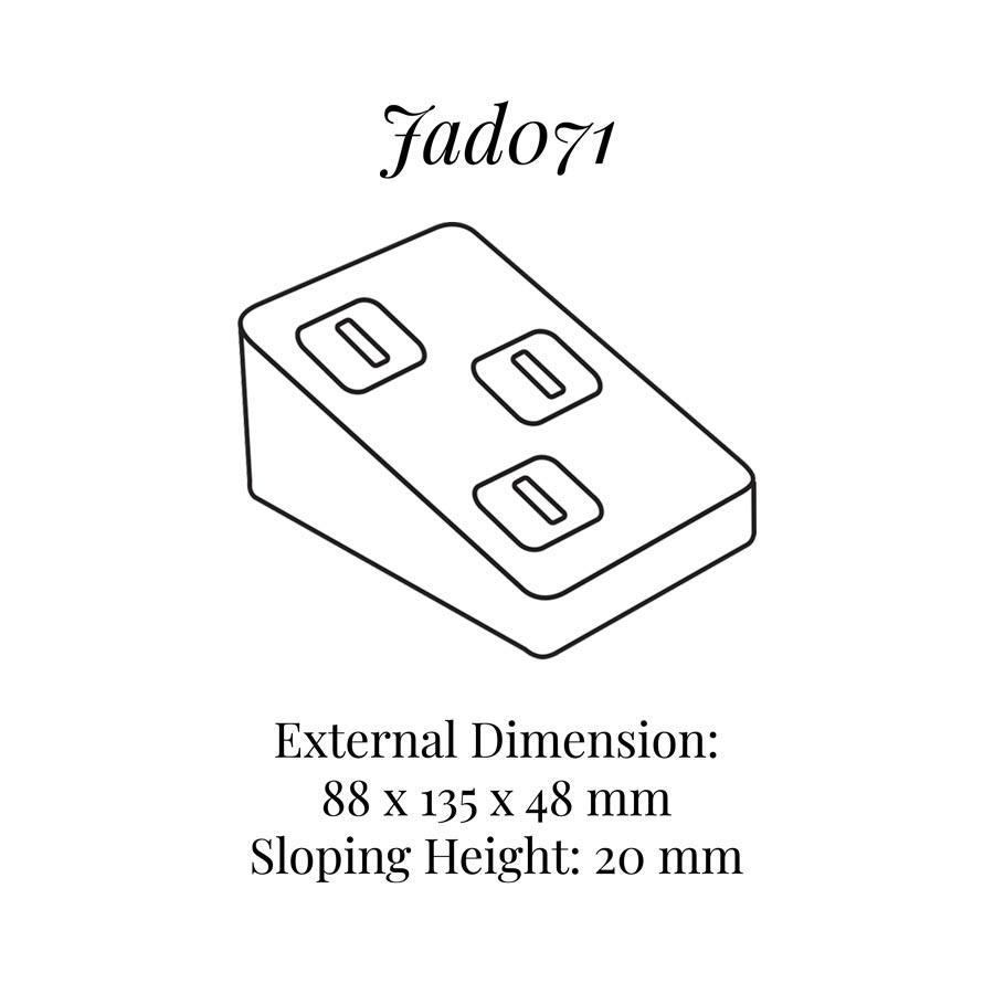 JAD071 Three on Rings Clips Display